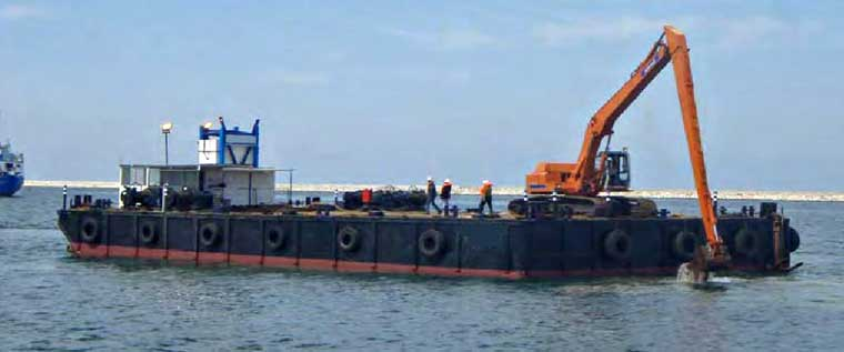 28 m x 16 m x 3 m Barge (No Crane) w/ 4-point Mooring