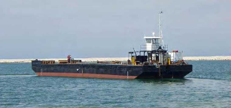 47 m x 9.5 m x 3 m Self-Propelled Barge w/ 4-point Mooring
