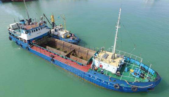 450 m3 Hopper Barge w/ Bottom Doors (2-sister barges)